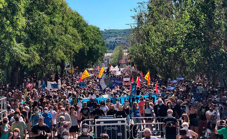 Manifestació contra l'ampliació de l'aeroport del Prat